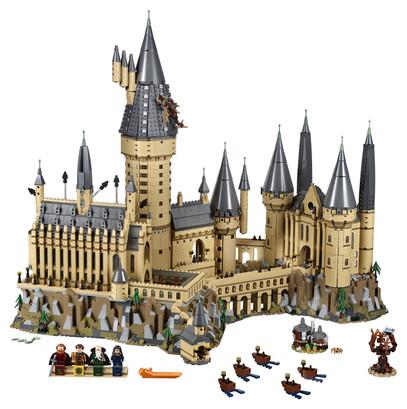 LEGO_71043_INT_2 (1).jpg