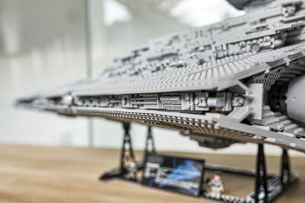 LEGO_75252_INT_44.jpg