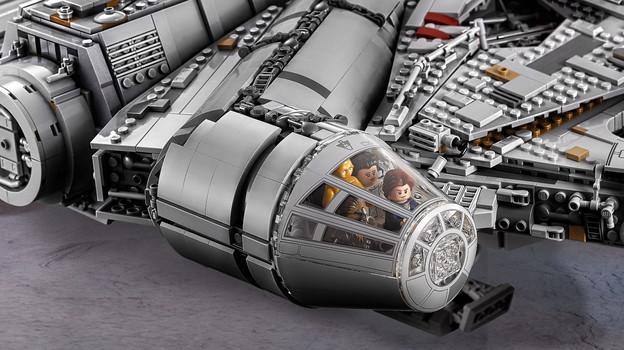 LEGO_75192_INT_7.jpg