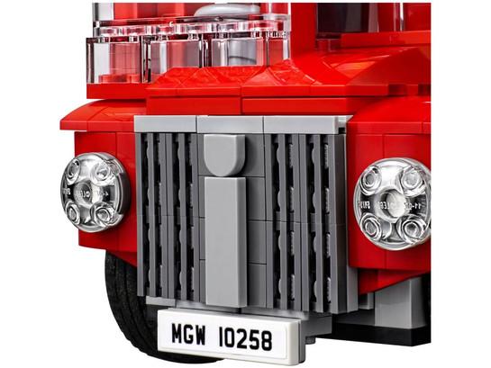 lego-10258-08.jpg