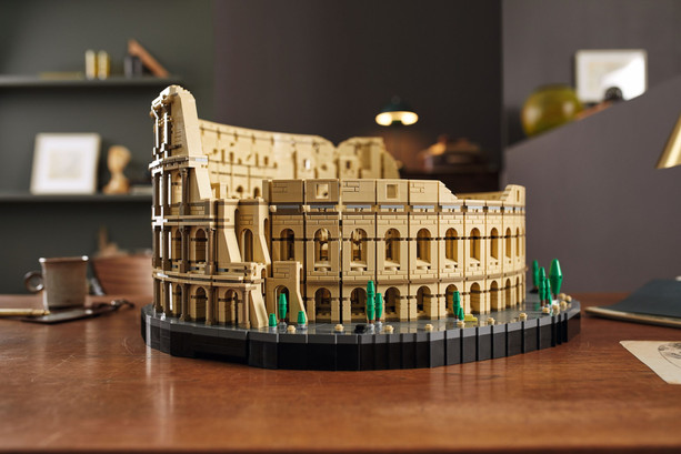 LEGO-10276-Colosseum-19-scaled.jpg