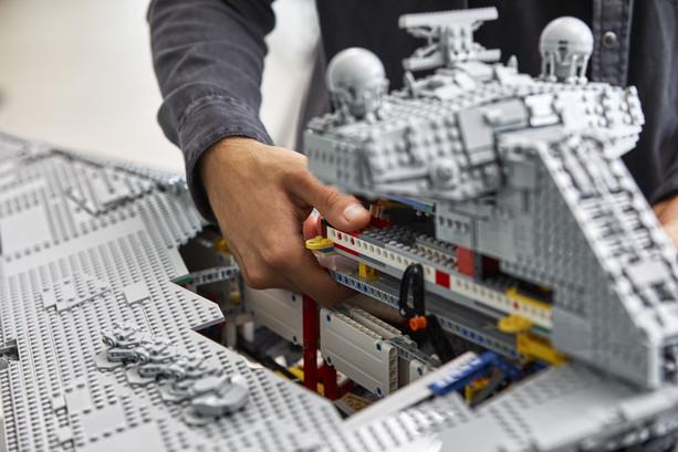 LEGO_75252_INT_27.jpg