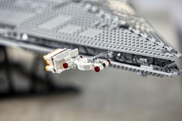 LEGO_75252_INT_33.jpg