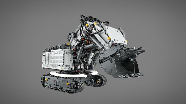LEGO_42100_INT_6.jpg