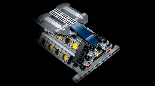 LEGO_42083_INT_6.jpg