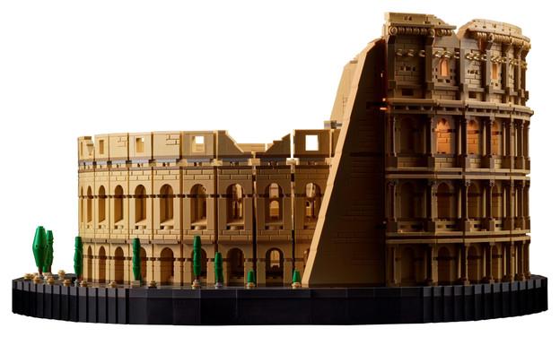 LEGO-10276-Colosseum-3-scaled.jpg