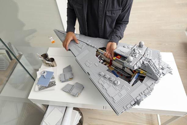LEGO_75252_INT_26.jpg