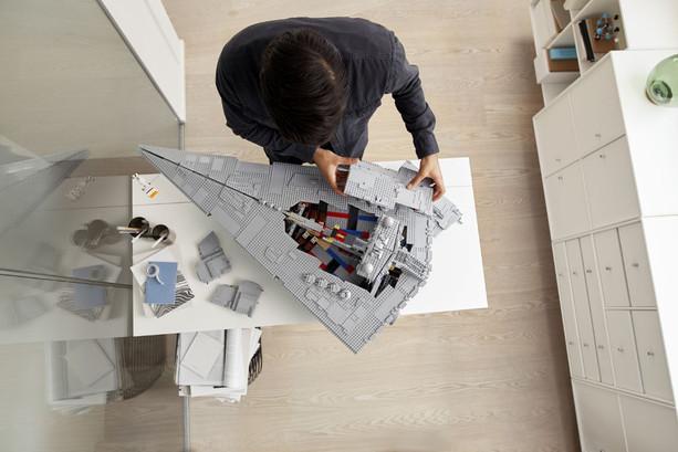 LEGO_75252_INT_24.jpg
