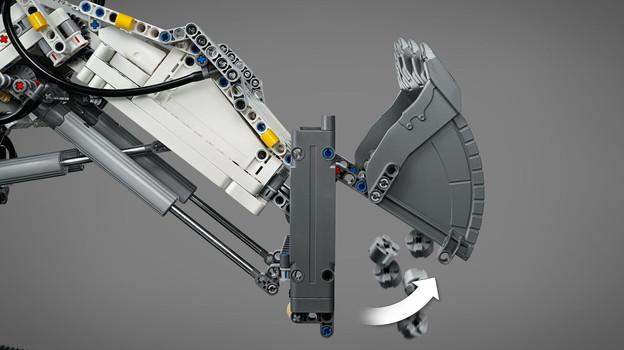 LEGO_42100_INT_4.jpg