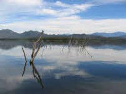 Lake El Saalto.jpg