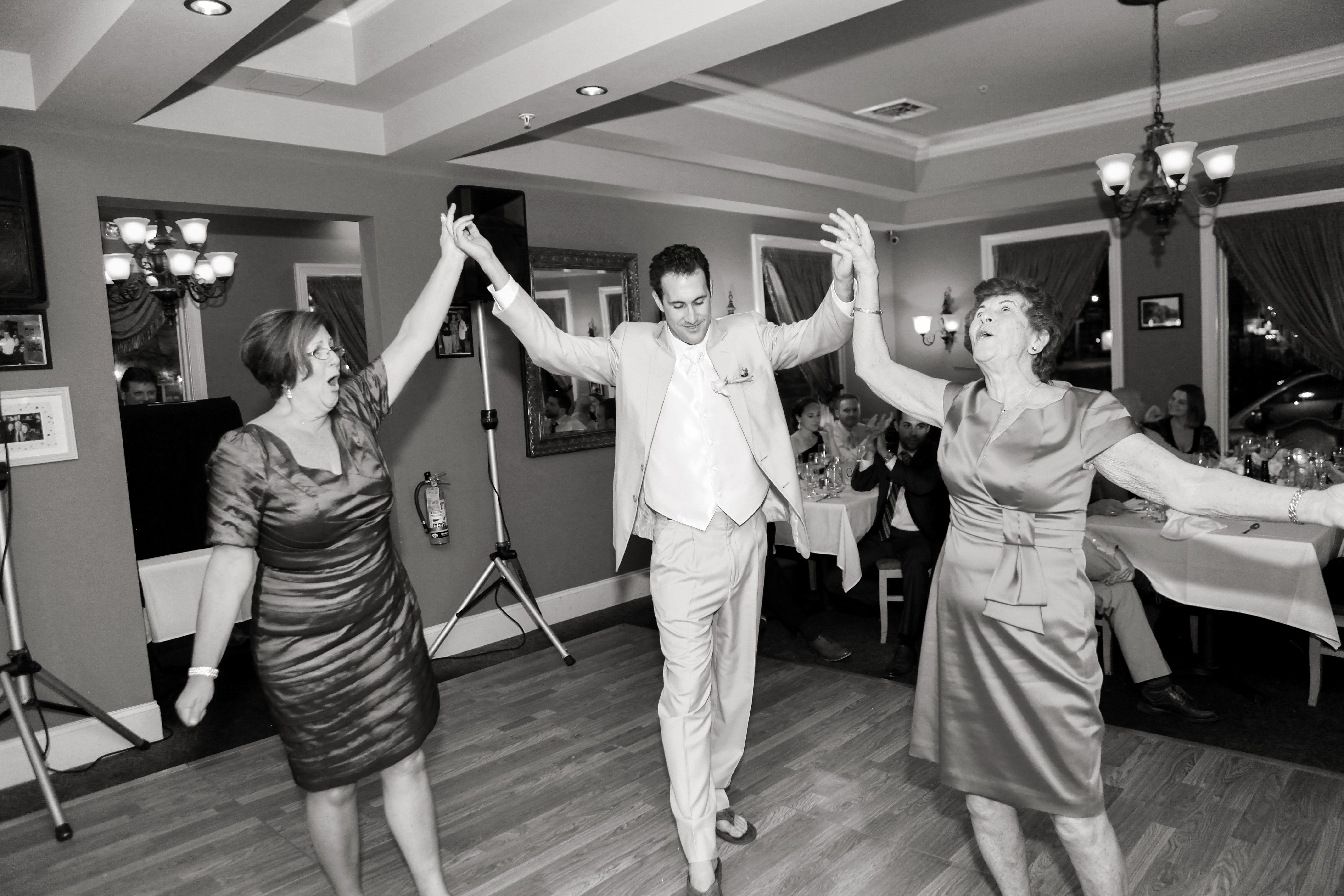 """""""Mama!"""" dance"""