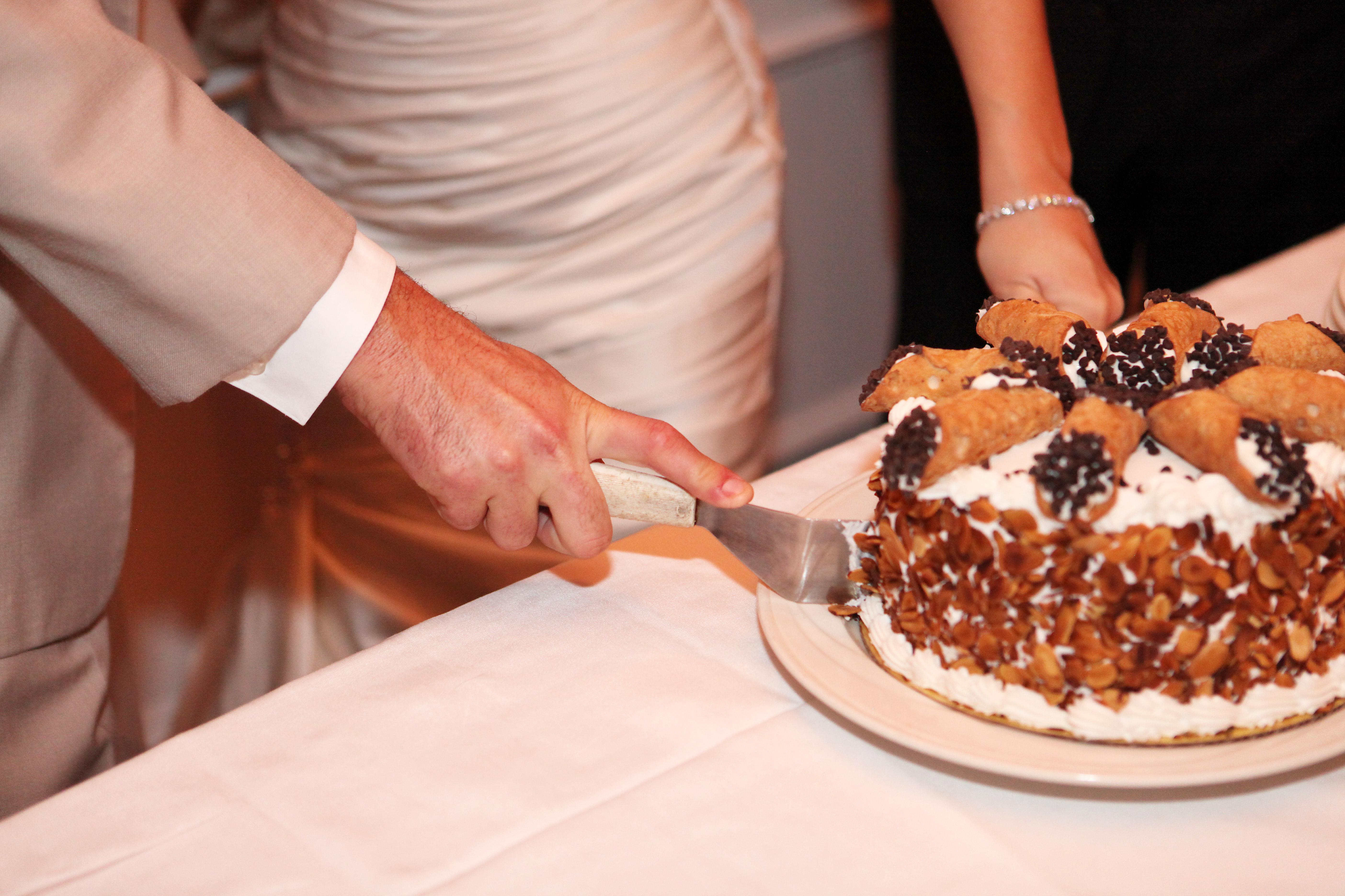 Cutting the Canolli Cake
