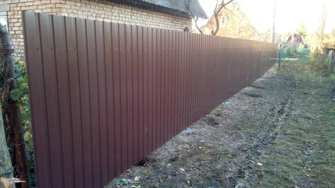Забор из профнастила шоколад