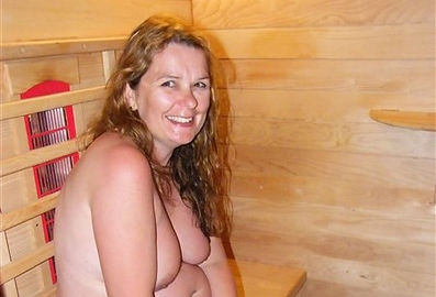 naturist camping camp site nudist accommodation also naturist spa lakeside location near skegness lincolnshire uk  lakeside farm like clover spa nudist naturist spa and  tythingbarn  Acorns Naturist Retreat or Naturist Accommodation Pevors Farm Suntrecks