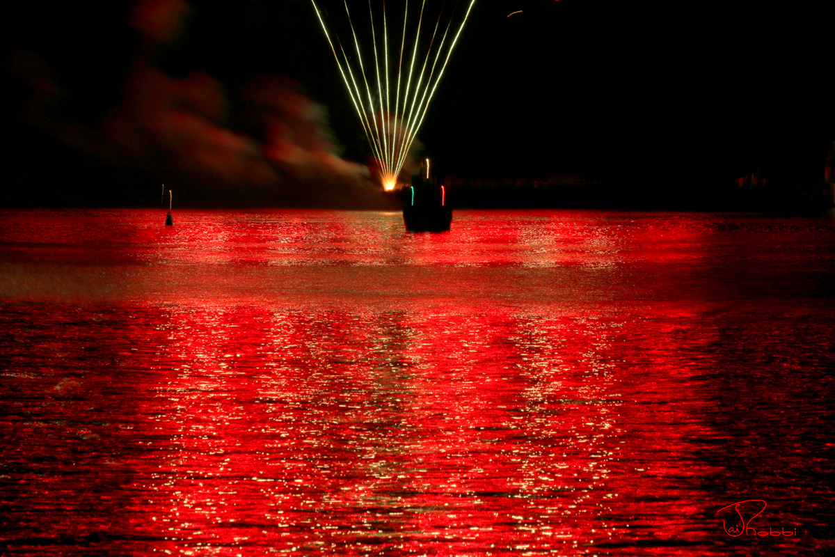 Firework City Island-Red