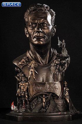 Frank Frazetta Tribute Statue (Frank Frazetta)