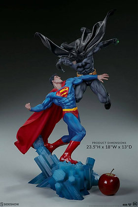 Batman vs. Superman Diorama (DC Comics)