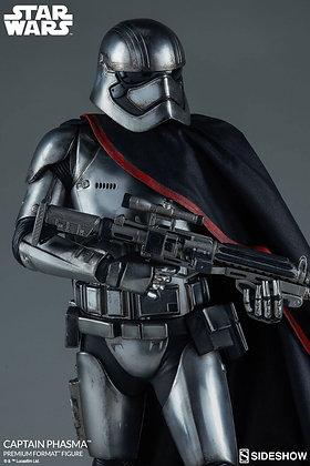 Captain Phasma Premium Format Figure (Star Wars - The Force Awak
