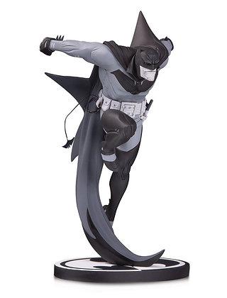 White Knight Batman Statue by Sean Murphy (Batman Black & White)
