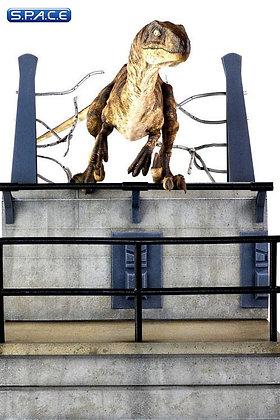 Breakout Raptor Statue (Jurassic Park)