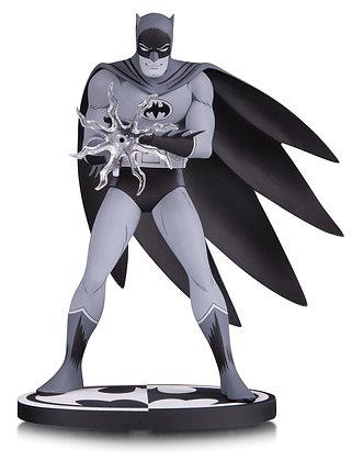 Batman Statue by Jiro Kuwata (Batman Black and White)