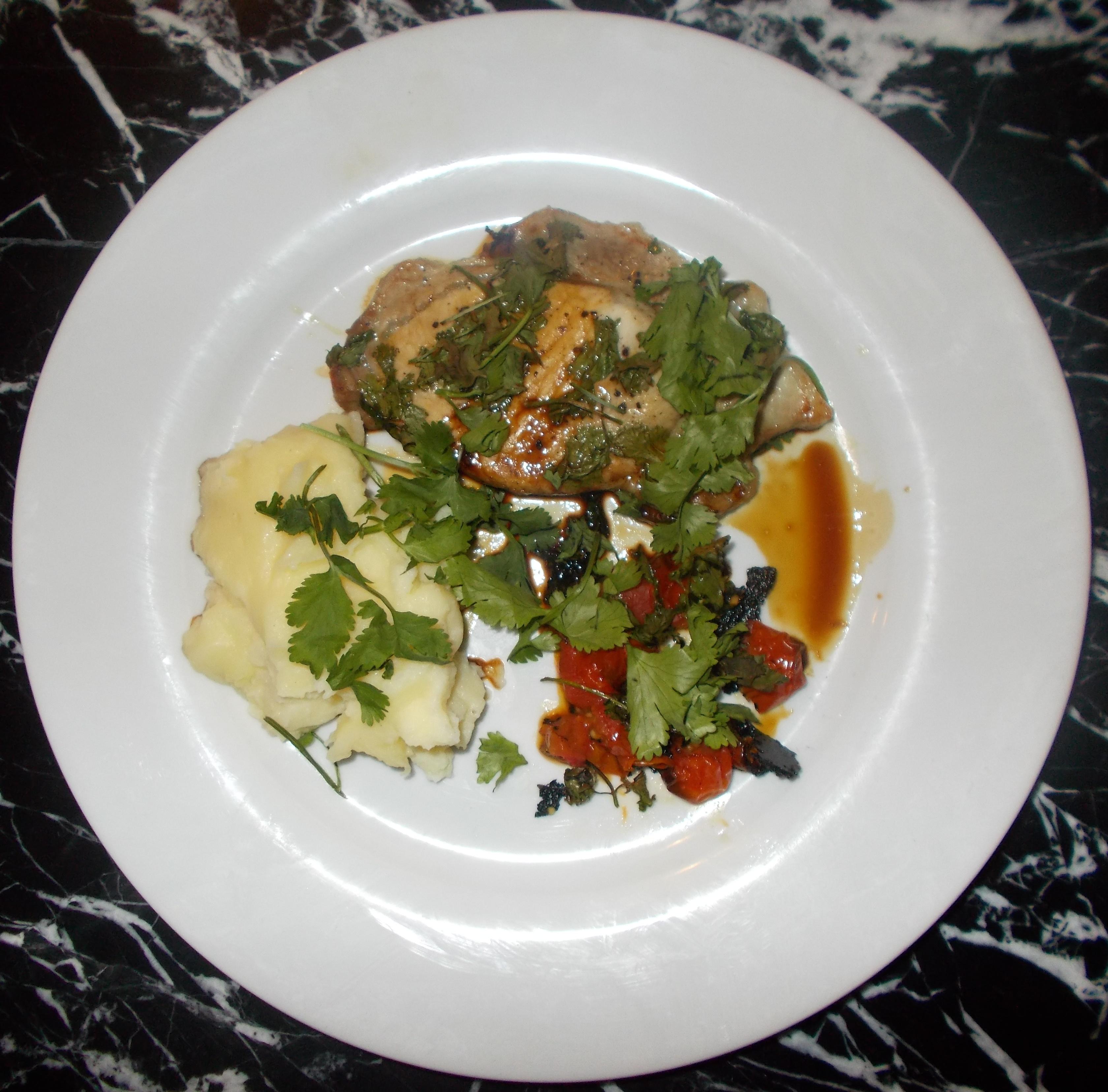 Pork in soy & coriander (Su1283)