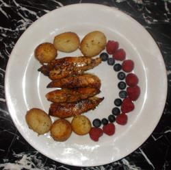 Chicken & fruit (Su1265)
