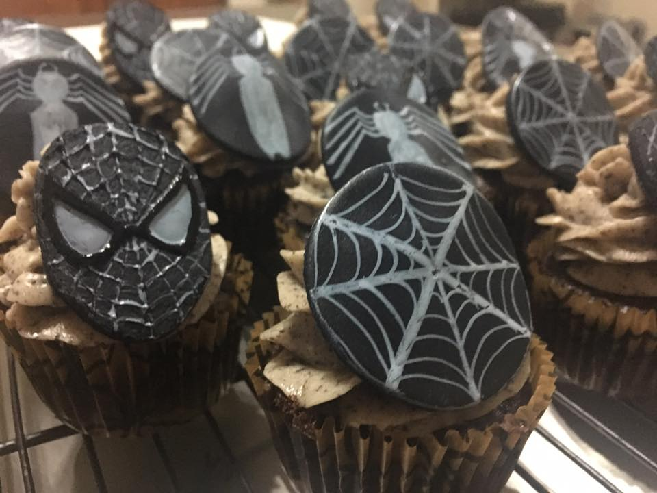 Symbiote Spiderman Cupcakes