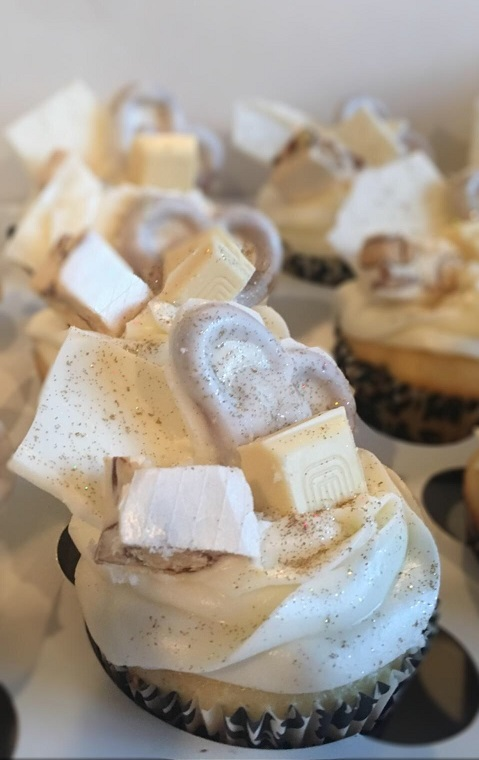 Double Vanilla Cupcakes