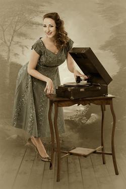Anna Curly