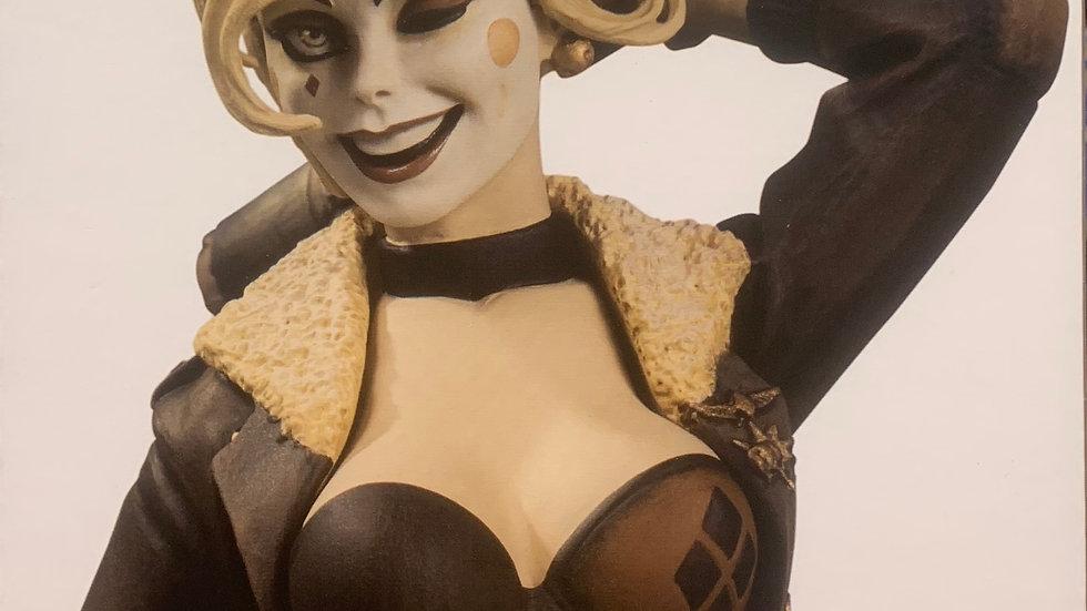 DC Direct Harley Quinn Bombshell sepia statue