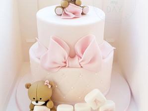 Just a cute little cake in a box! 🤗🐻_T