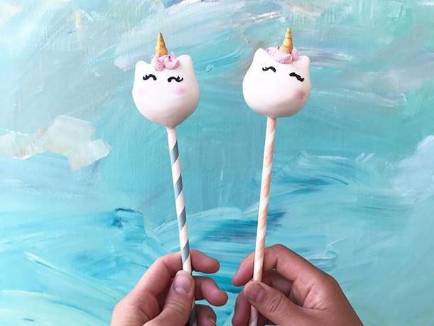 Unicorn cake pops ✨🦄 ._._.jpg