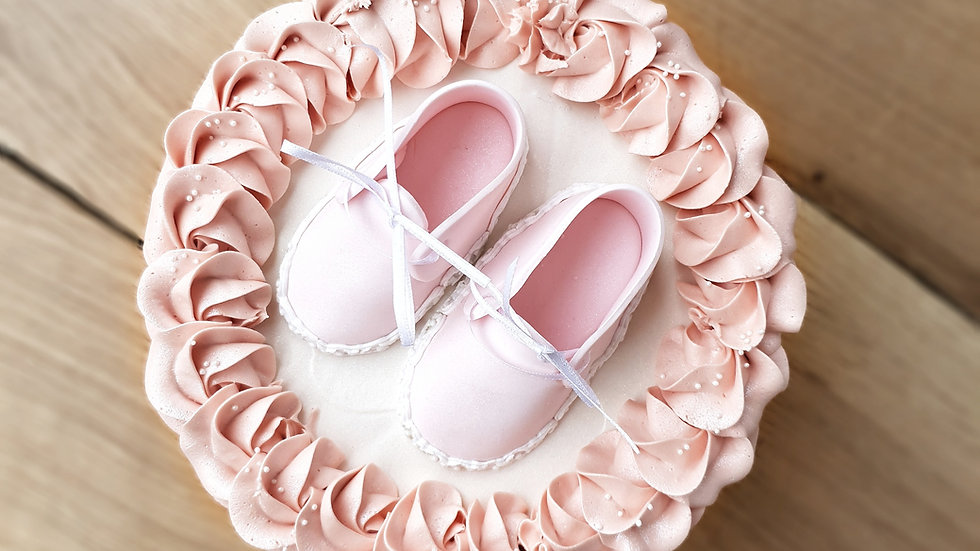 Baby shower cake with shoes