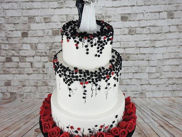 En fedt gotisk bryllupskage til Ana og L