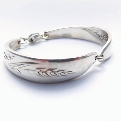 Medium Bracelet with snap clasp