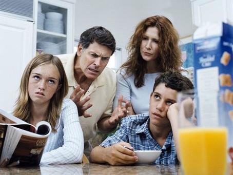 Почему у родителей возникают проблемы с подростком