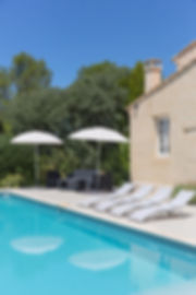 piscine-parassol-transat.jpg