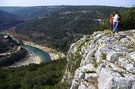 Vue plongeante sur les Gorges du Gardon depuisle promontoire