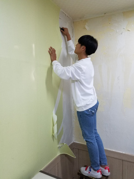 Wallpaper removal party @The Co.