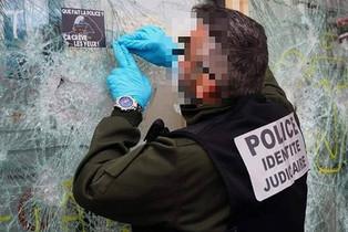 Censure, violence policière et gouvernementale : notre palmarès des lois liberticides en France
