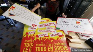 Blocages et manifestations : la grève contre la réforme des retraites débute (EN CONTINU)
