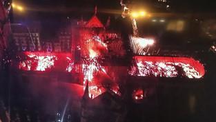 «Paris brûle-t-il?» Le retour de l'Eglise par le symbolique
