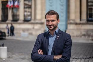 ENTRETIEN AVEC UGO BERNALICIS : « LE CAPITALISME EST UN VASTE DÉLIT D'INITIÉ »