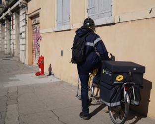 Centre Postal de Saint-Laurent-du-pont : Sud PTT accuse la poste de pressions pour empêcher un mouve