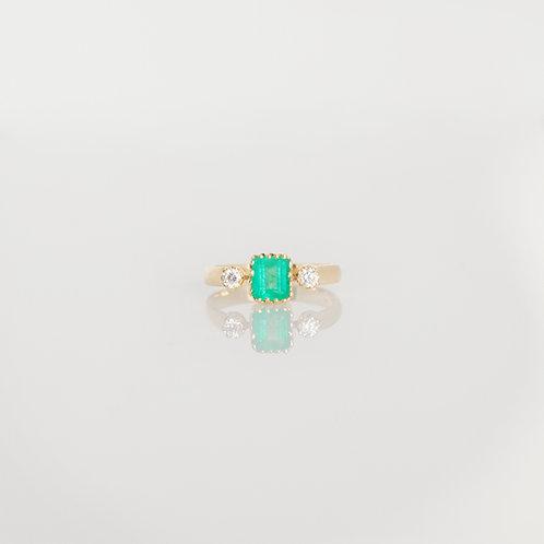 Anillo Esmeralda con Diamantes 14K