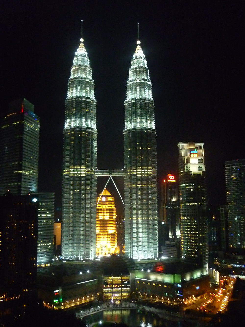 Where to visit in May - Malaysia Petronas Towers