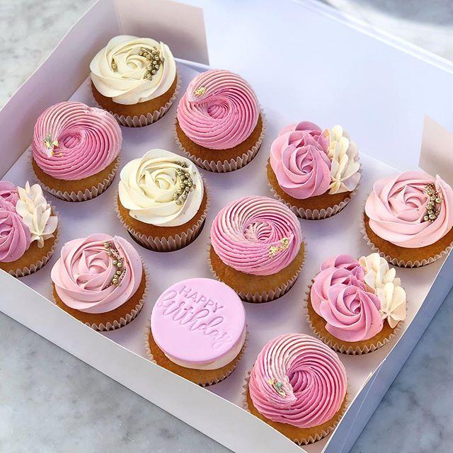 Iso birthday cupcakes 🌸💕 . . . .