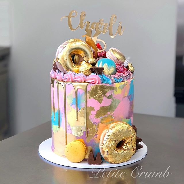 Sweet 16 💁‍♀️ filled with Lindt white c