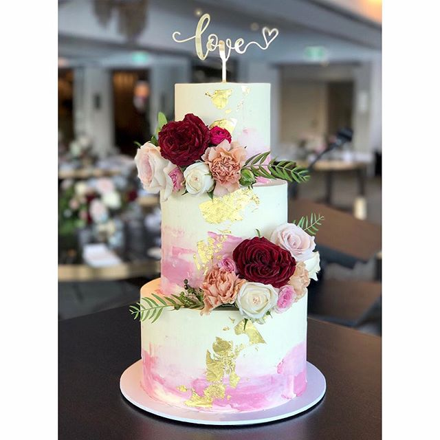 I loved setting up this three tier at _blackbirdbrisbane on Friday! Top tier_ Red velvet and vanilla
